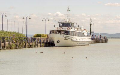 Nagy hajós csapatépítés a Balatonon